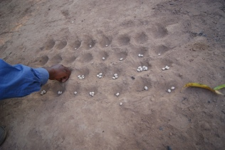 Nsolo: a game that the kids play with dried beans