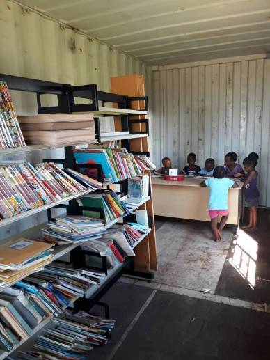 Container children at desk